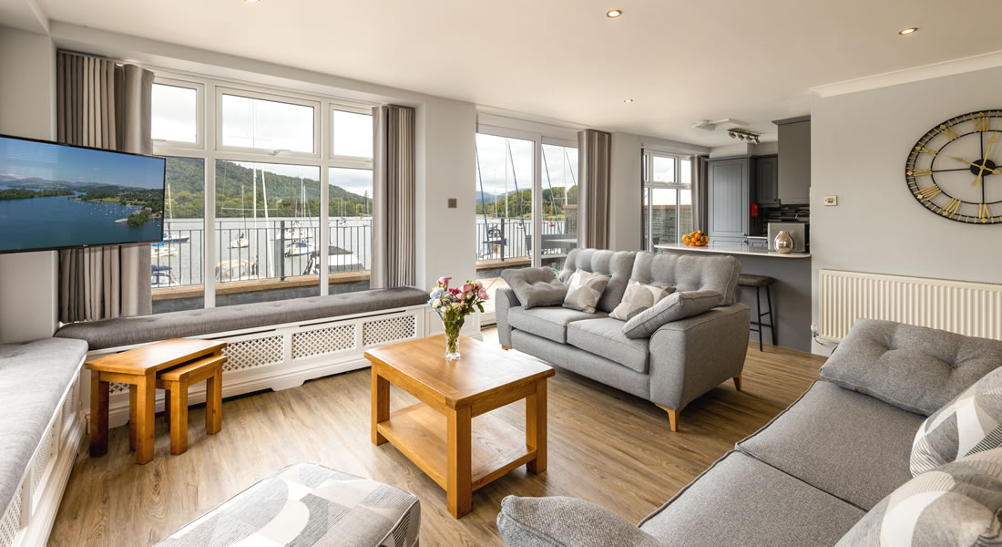 Waters Edge Apartment - Self Catering Accommodation